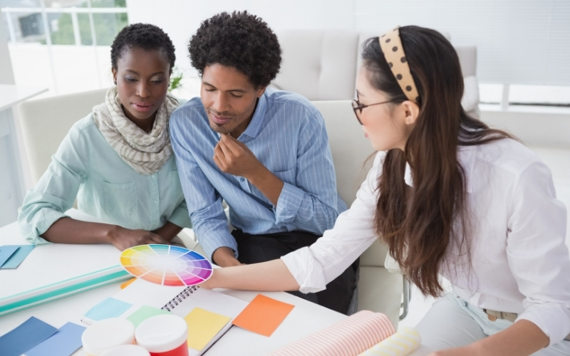 Client sits down with designer to strategize